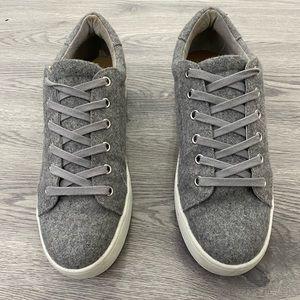 Low Platform Sneaker
